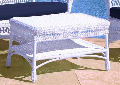 White Wicker Patio Table   Features, Rockport 42 In Patio