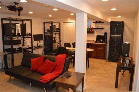 keeping  humidity    basement linux server room