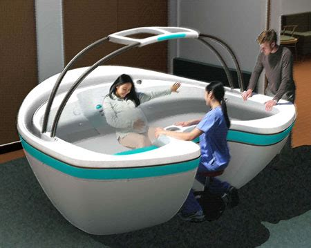 bathtub positions waterbirth vessel concept to support mommy feels free