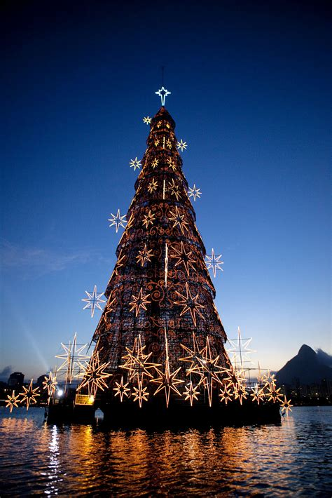 christmas trees in brazil world s largest floating tree de janeiro brazil littlepassports