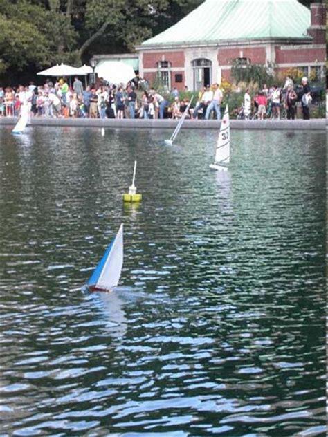 central park toy boat pond central park conservatory pond model sailboats pond boat