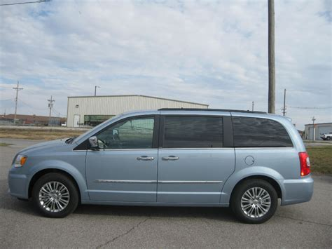 Chrysler Town And Country Touring by 2013 Chrysler Town And Country Touring L Topcarz Us