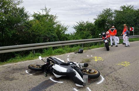 Motorrad G Ppingen g 246 ppingen 16 j 228 hriger kommt bei motorradunfall ums leben