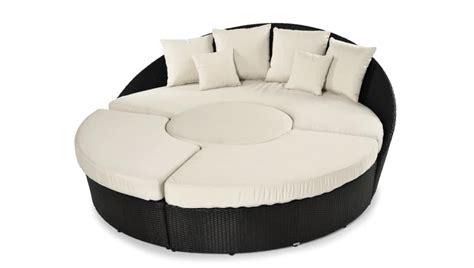 divanetti da esterno economici divano rotondo da giardino idee per il design della casa