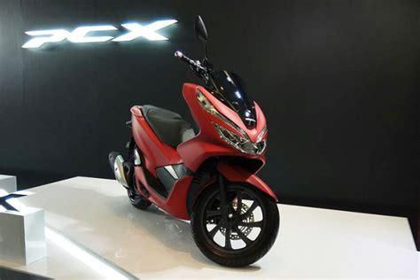 Harga Pcx New honda pcx 2018 dijual lebih mahal dari yamaha nmax motor