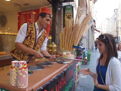 Penjual Cone Es Krim 3 yuk kenalan dengan es krim dondurma khas turki yang