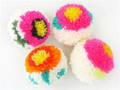 pom pom craft projects 60 amazing diy pom pom crafts