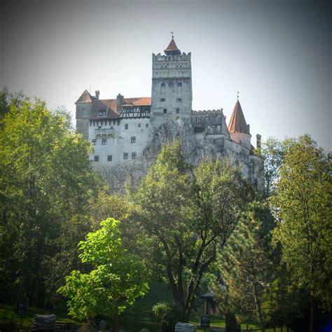 bran castle castles photo 510805 fanpop draculas slott i transsylvanien bran castle ladies abroad