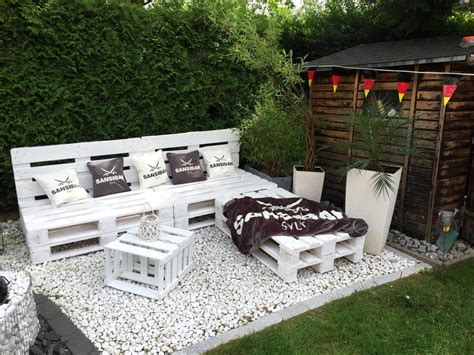27 Best Outdoor Pallet Furniture Ideas And Designs For 2017 Pallet Patio Furniture Ideas