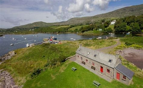 Pier Cottage Caravan Park by Pier Cottage Castlecove Caherdaniel Co Kerry Ireland Self Catering Accepts Dogs
