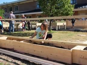 hutchings elementary howell mi your garden grow students create garden classroom