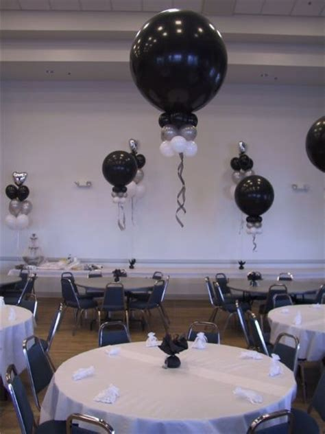 balloon centerpieces for graduation change