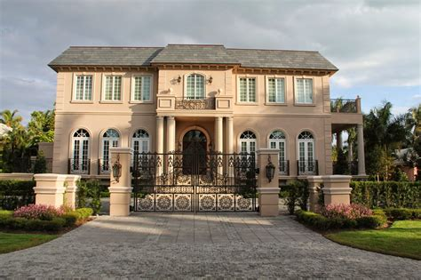 pictures of big houses naples and hartford in season do gates turn a big house