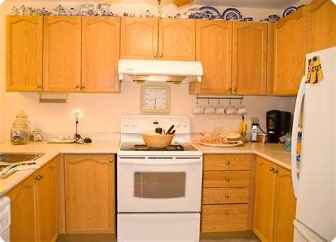 how to restain oak kitchen cabinets how to stain ugly oak wood darker easily