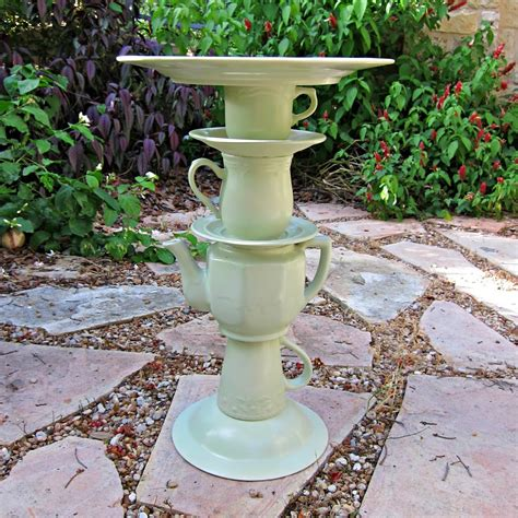 bird bath bakery with stand dripper