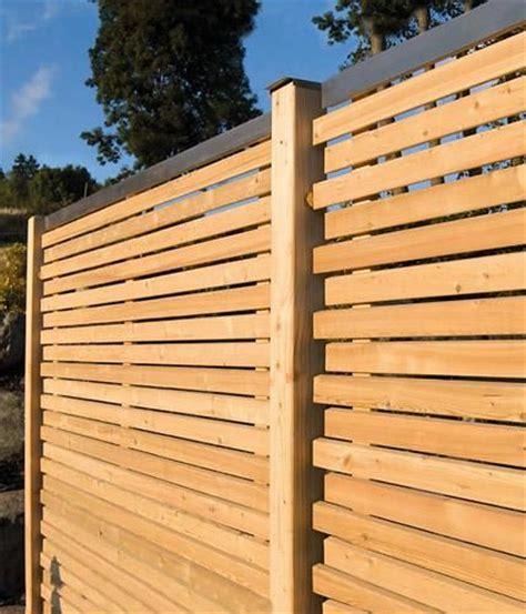 Sichtschutz Ideen Aus Stein Geflecht Holz Und Stoff Stoff Sichtschutz Und Holz Trennwand