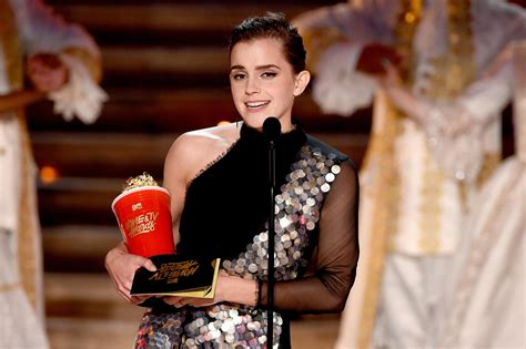 emma watson neuester film mtv movie and tv awards 2017 emma watson wins best actor