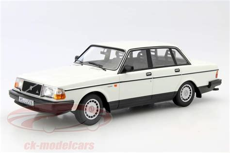 ck modelcars  volvo  gl year  white  minichamps ean