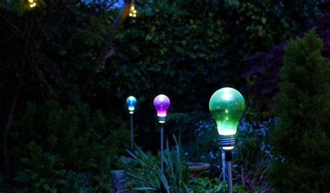Best Solar Landscape Lights Reviews Best Solar Outdoor Lights In 2018 Top 10 Reviews