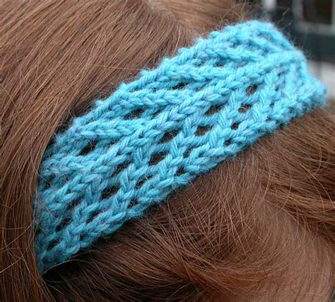 knit lace headband pattern persnickety knitter free arrowhead lace headband pattern