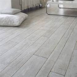 choose laminate flooring that looks like tile floor tile