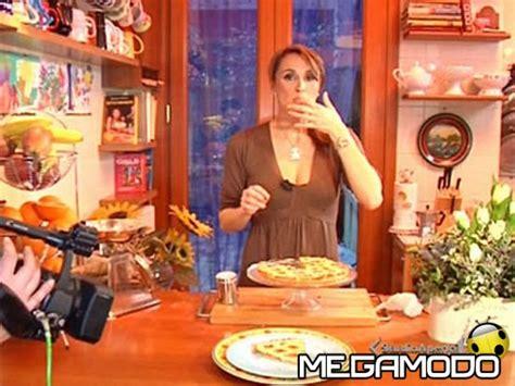 cucina con benedetta parodi cotto e mangiato riccobono nella cucina di benedetta
