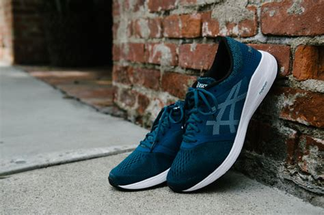 dynaflyte 2 dynamis and roadhawk ff 3 new running shoes from asics running shoes guru