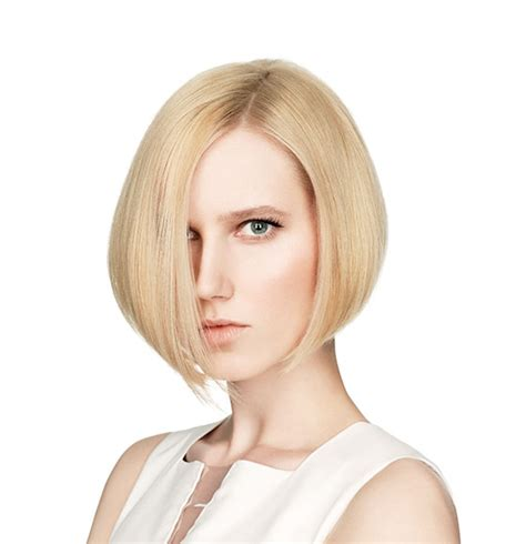 cutting a beveled bob hair style future foundation graduated bob cut toni guy com