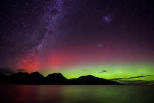 southern lights australis coles bay tasmania hazaed mountains