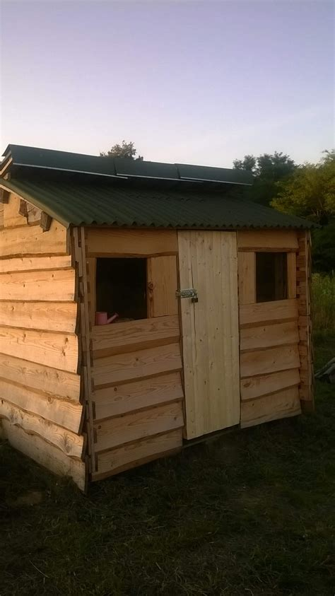 Cheap Small Sheds Small Shed From Used Pallets Cheap Wood Pallet Ideas