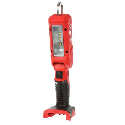 milwaukee m18 led work light milwaukee m18 18 volt lithium ion cordless 140 lumen led