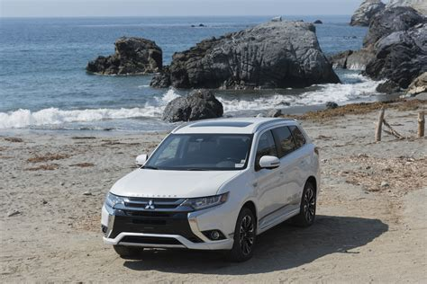 outlander mitsubishi 2018 2018 mitsubishi outlander phev goes on sale in the u s 5