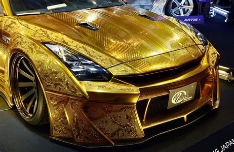 1 million gold plated car unveiled in dubai cars boats gcc lifestyle cars boats