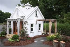 Tinyhousecottages tiny house design amp living cottages pinterest