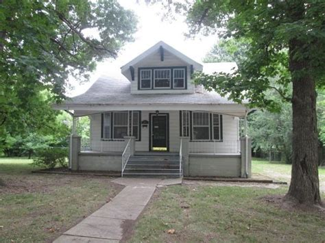 2043 n franklin ave springfield mo 65803 foreclosed home
