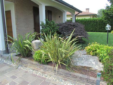 aiuole in giardino progettazione giardini monza e brianza realizzazione