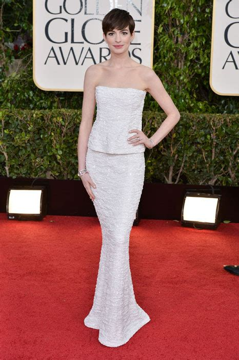 Battle Of The Marchesa Hathaway Vs Alba by 27 Of The Best Golden Globes Dresses Photo 8