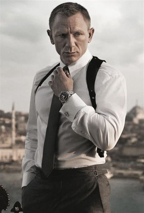 Dress Executive 007 bond daniel craig cine y series tv