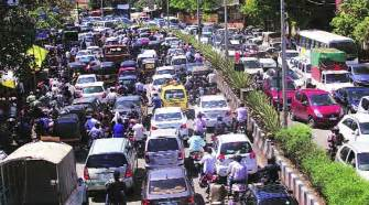 traffic to home traffic chaos a given in higher fsi areas in pune