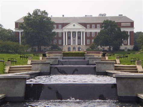 Of Maryland College Park Mba Ranking by The Top 10 Best Landscaped Colleges East Coast Lawnstarter