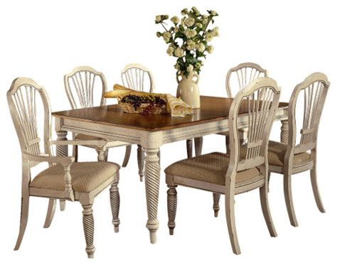 Hillsdale Wilshire 7 Rectangle Dining Room Set In Antique White Traditional Dining Hillsdale Wilshire 7 Rectangle Dining Room Set In