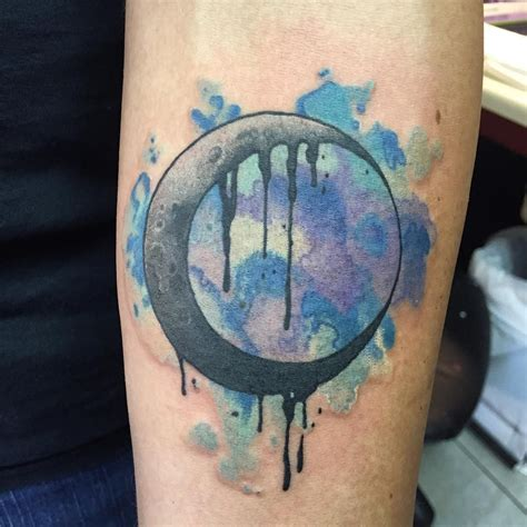 watercolor moon tattoo made this watercolor watercolortattoo crescent