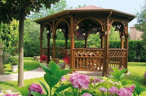 giardino con gazebo gazebo in legno foto design mag