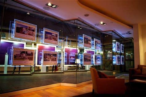 vetrine illuminate schermi luminosi pannelli led vetrina pannelli