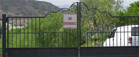 A Gatored Community pros and cons of gated communities the about