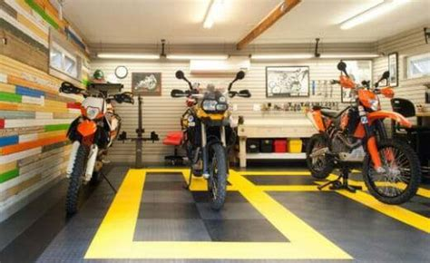 Discover Garage Flooring Ideas with Interlocking Floor