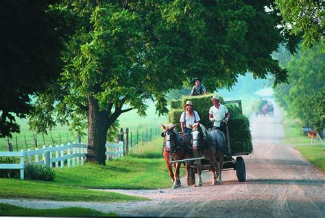 amish culture beliefs and lifestyle about travel traditions collections and culture great lakes usa