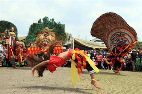 Kamoro Aspek Aspek Kebudayaan Asli budaya indonesia dimas adji post