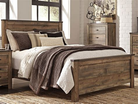 rustic casual contemporary  piece queen bedroom set trinell rc willey furniture store