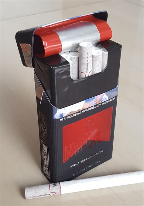 Rokok Marboro Filter Black 1 marlboro filter black indonesia clove cigarettes